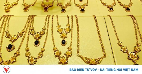 Giá vàng SJC giảm khi vàng thế giới leo cao | VOV.VN