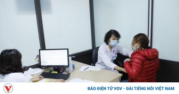 Bệnh nhân ung thư có nên tiêm phòng vaccine COVID-19? | VOV.VN