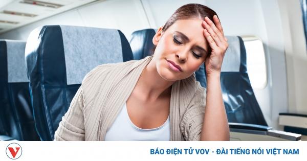 Những vật dụng cần thiết cho chuyến bay đường dài | VOV.VN