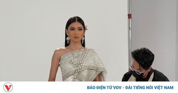 Á hậu Ngọc Thảo trổ tài nói tiếng Thái trước thềm tham dự Miss Grand International | VOV.VN