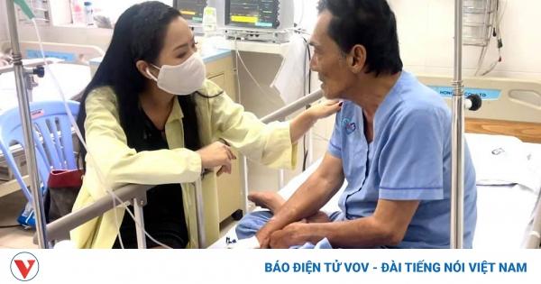Nghệ sĩ Việt kêu gọi hỗ trợ diễn viên Thương Tín bị đột quỵ | VOV.VN