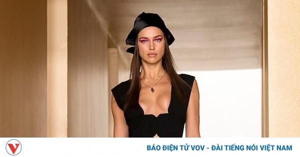 Irina Shayk nóng bỏng trên sàn diễn Tuần lễ thời trang Milan