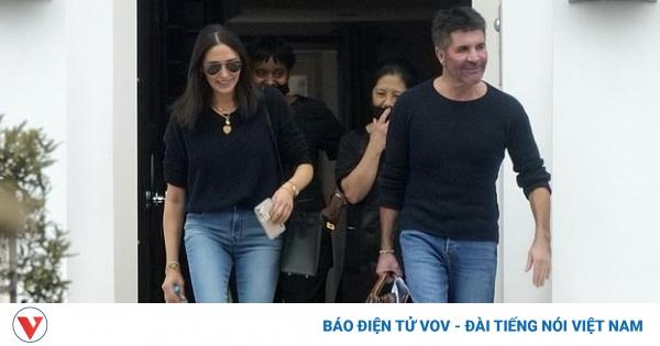 Simon Cowell và bạn gái rạng rỡ trở về nhà ở Los Angeles - mega 645