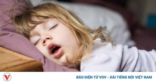5 cách rèn trẻ ngủ đúng giờ | VOV.VN