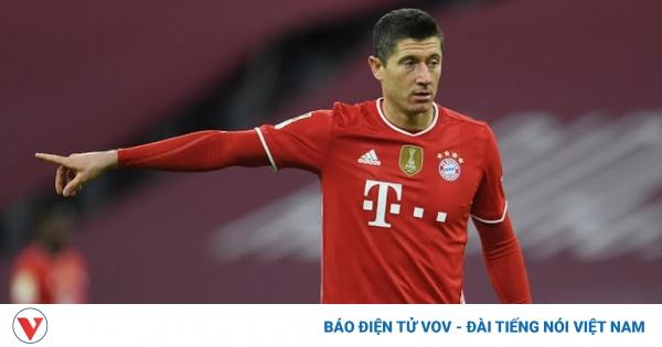 Lewandowski ghi hat-trick, Bayern ngược dòng thần thánh trước Dortmund | VOV.VN