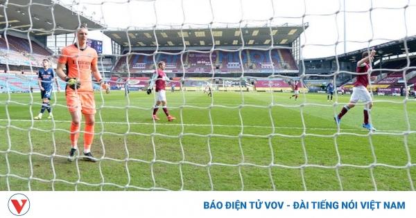 Granit Xhaka mắc sai lầm nghiệp dư, Arsenal hòa đau đớn trước Burnley | VOV.VN