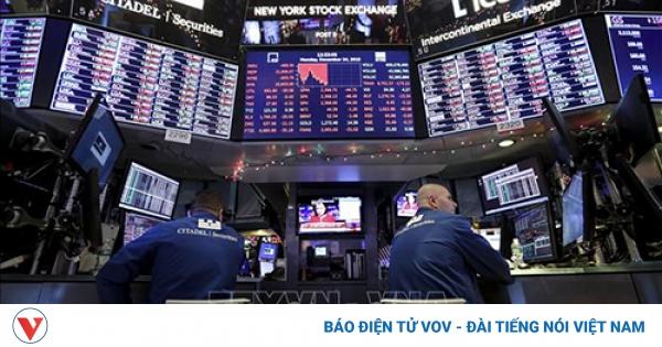 Chỉ số Dow Jones của Mỹ lần đầu tiên tăng lên hơn 33.000 điểm   VOV.VN