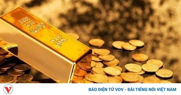 Giá bán vàng trong nước lùi về mốc 56 triệu đồng/lượng | VOV.VN - giá vàng hôm nay