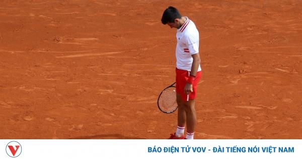 Monte Carlo Masters: Nadal thẳng tiến, Djokovic thua sốc tay vợt