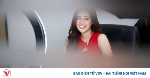 Á hậu Hoàng My, Á hậu Hoàng Thuỳ sắm vai giám khảo phỏng vấn giả định Khánh Vân   VOV.VN
