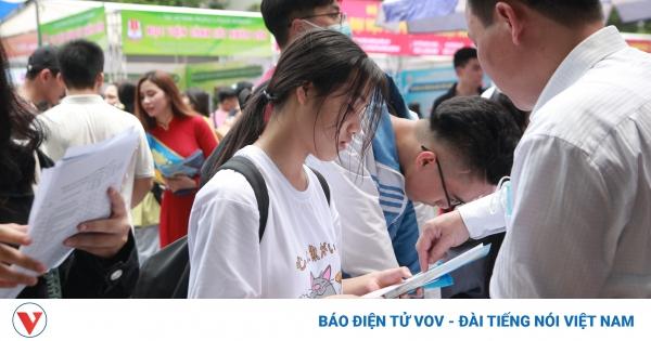 Thi vào 10 ở Hà Nội: Mỗi thí sinh đăng ký tối đa 15 nguyện vọng, không được thay đổi | VOV.VN