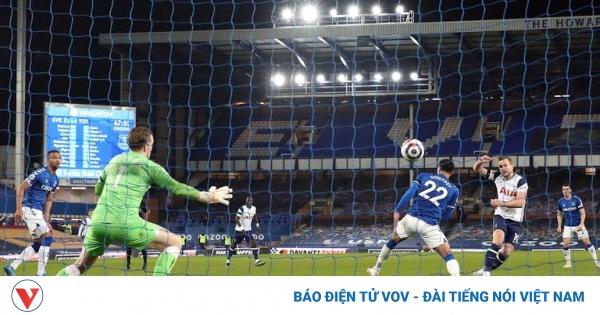 Harry Kane lập cú đúp, Tottenhamm thoát thua trước Everton | VOV.VN