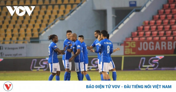 Bị nợ lương 8 tháng, cầu thủ Than Quảng Ninh phải xin tiền vợ | VOV.VN