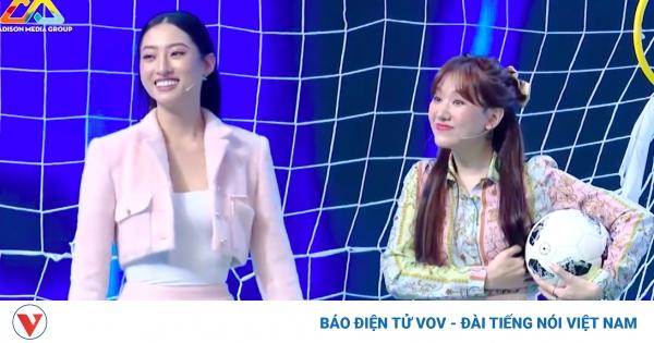 Trấn Thành bất lực với màn mặc váy ngắn đá bóng của Lương Thùy Linh và bà xã Hari   VOV.VN