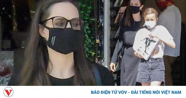 Angelina Jolie thanh lịch đưa con gái Vivienne đi mua sắm nhân Ngày của mẹ