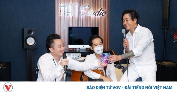 Tuấn Hưng, Tùng Dương ủng hộ gần 2 tỷ đồng cùng Bắc Ninh, Bắc Giang chống dịch Covid-19   VOV.VN
