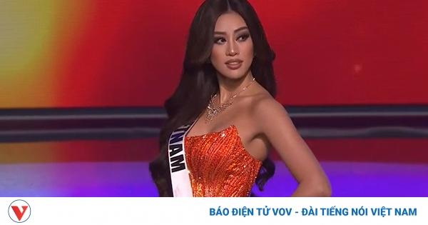 """Khánh Vân """"gây sốt"""" với màn xoay người ấn tượng trong đêm bán kết Miss Universe"""
