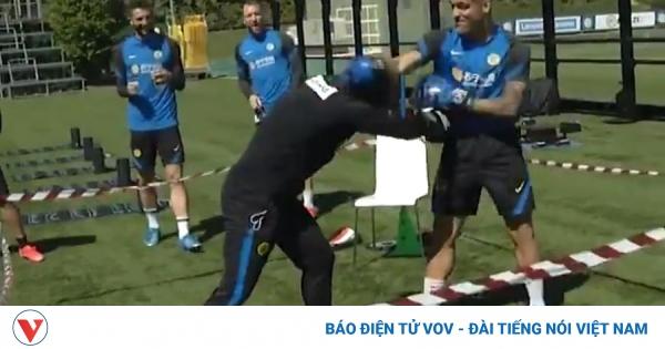 Antonio Conte và Lautaro Martinez đấu boxing để giải quyết mâu thuẫn