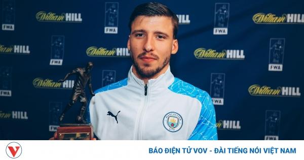 """Ruben Dias nhận danh hiệu """"Cầu thủ xuất sắc nhất mùa giải 2020/2021"""""""