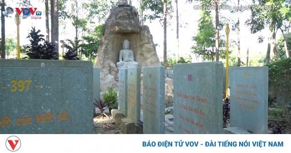 Chiêm ngưỡng vườn kinh bằng đá độc đáo ở Vĩnh Long | VOV.VN