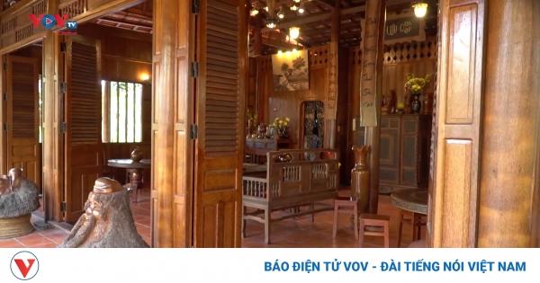 Ngôi nhà làm từ hàng nghìn cây dừa trăm tuổi tại Vĩnh Long | VOV.VN