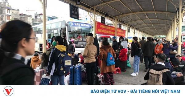 Hướng dẫn đi lại mới nhất của Bộ GTVT: Hành khách đi tàu hỏa, máy bay vẫn phải xét nghiệm